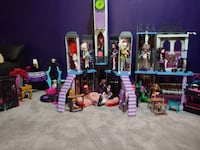 Monster High School and accessories Bel Air