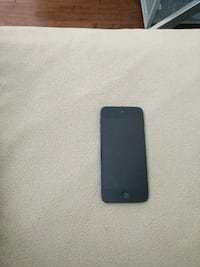 Ipod touch 5th gen 9.5/10 condition