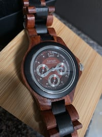 Tense Wooden Watch with case