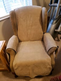 Chair is free. Lazy boy recliner. No need or room for it. Cannot deliv Maplewood, 55109
