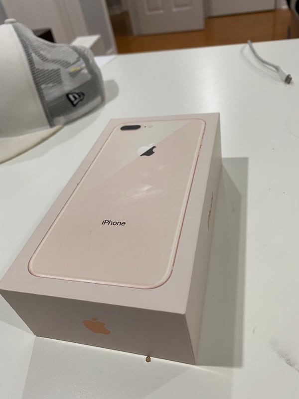 256 GB Iphone 8+ In Mint Condition  80f087a4-d781-494e-bcc1-353caa04a031