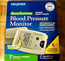 Blood Pressure Monitor- lots of features! Like New