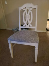 2 Chair's