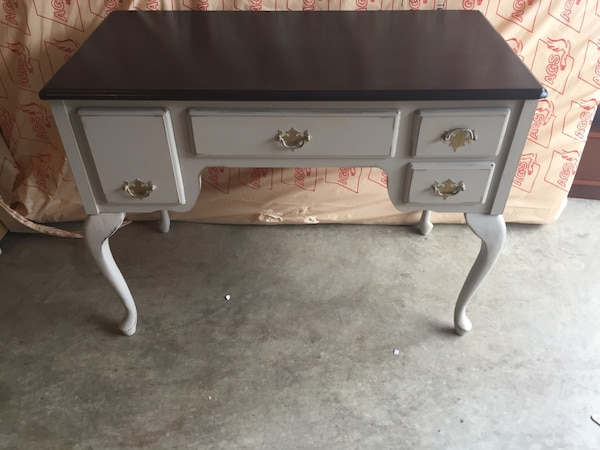 New price!  Refinished  vanity table. 488fa072-d2e1-46b4-9836-de9d30e27d8a