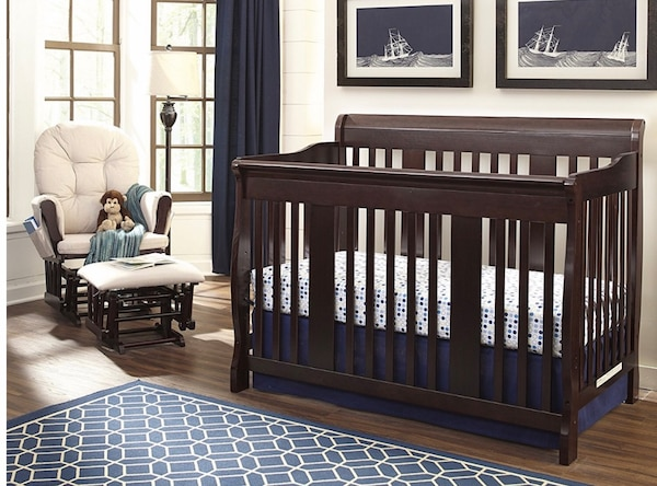 Convertible Crib and Changing Table