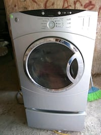 white front-load clothes washer Rio Grande City, 78582