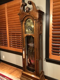 Howard Miller grandfather clock Leesburg, 20176
