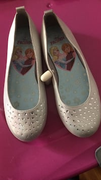 grey Disney Frozen almond-toe flats Columbus, 43213