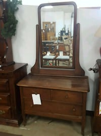 Used Oak Wood Antique Dresser W Mirror For Sale In Dallas Letgo