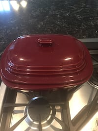 Red and black slow cooker Ashburn, 20147