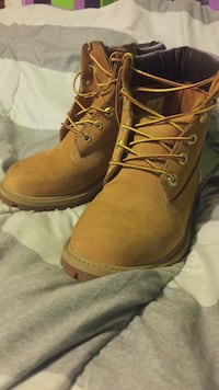 Pair of brown timberland work boots Rock Hill, 63144