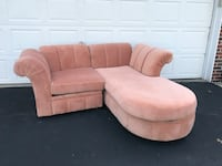 Peach sectional couch Rolling Meadows, 60008