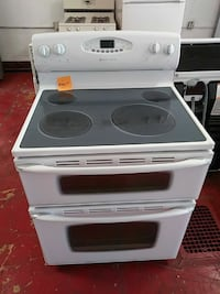 Maytag dobble oven electric stove Cleveland, 44102
