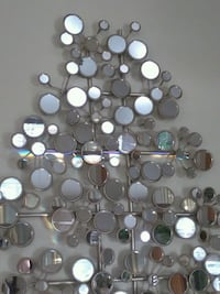 Mirror with 100+ mirrors, reflect rainbiw in sun Arlington, 22201