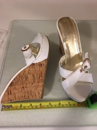 "Costa Blanca white 4"" heel wedge shoes, size 8 - $25  Mississauga"