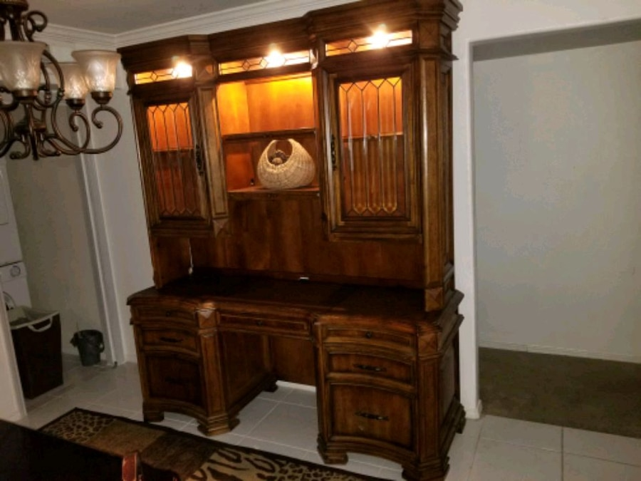 Aspen Home Office Or Dining Room Credenza/hutch