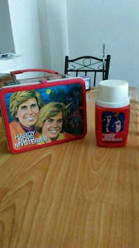 A 1977 Hardy Boys lunch box end the thermos Essex, 21221