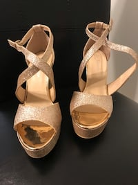 Women's 7 -rose gold glitter platforms. Brand new never used   Columbia, 21046