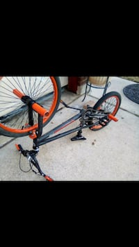 black and red hardtail bike Pflugerville, 78660