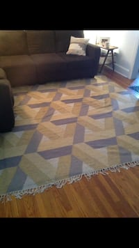 West elm rug Kennett Square, 19348