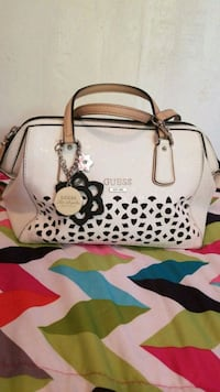 guess purse Mission, 78572