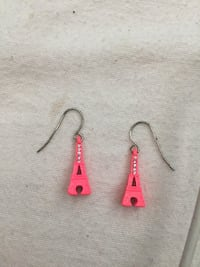 Eiffel tower earrings  Coquitlam, V3B 3W6