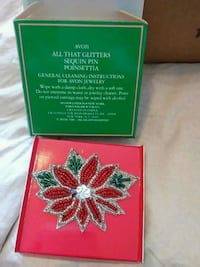 beaded red and green Avon All that Glitters sequin poinsettia flower pin with box Sun Valley, 89433