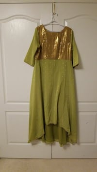 green and gold-colored 3/4 sleeved asymmetrical dr Milton, L9T