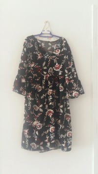 Dress..size medium...you can also use as a tunic Richmond Hill, L4C 0M8