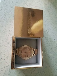 round gold-colored chronograph watch with link bracelet Arlington, 76006