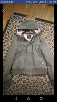 TNA jacket London, N5Z 2X1