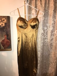 Small gold satin dress Los Angeles, 90024
