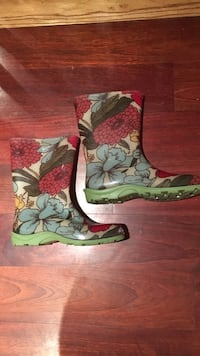 Beige-and-multi-colored floral raisin boots Poughkeepsie