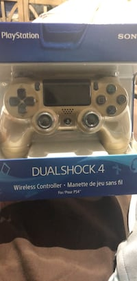 Brand new gold ps4 controller  Freehold, 07728