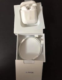 white ceramic toilet bowl with box Montréal, H4E