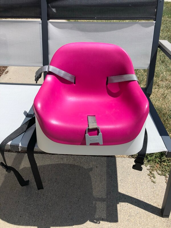 Oxo Nest Booster Seat w/Straps
