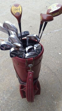 Collector clubs, assorted clubs leather bag.