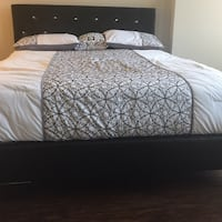 New Black Crystal Tufted Queen Bed  Silver Spring