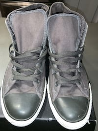 Converse Shoes Size 12 / Taille 12