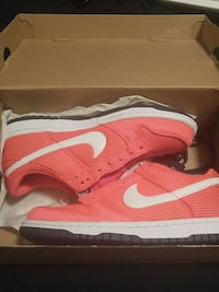 pair of red Nike running shoes with box Toronto, M6M 5A5