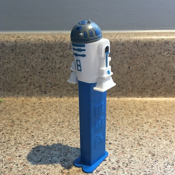 Star Wars Pez R2D2 05bf8be5-c682-4753-ba8e-19fde08169cd