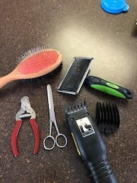 Dog grooming supplies. Sherwood Park pick up  Sherwood Park, T8H 1T4