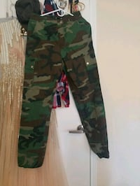 green and black camouflage pants New Carrollton