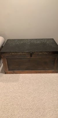 Pottery Barn Conway Wood &Metal Trunk Ashburn, 20148
