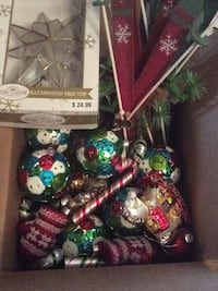 Free large Christmas ornaments, wall decor, tree toppers  Sunnyvale, 94087