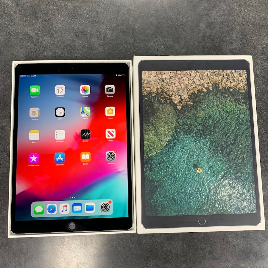 "10.5"" Apple iPad Pro 64GB Cellular + WiFi  41489235-1143-4cdf-aeb1-0e8b25359f4f"