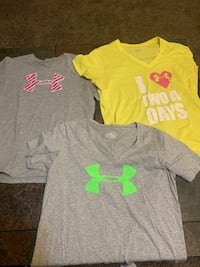 3 Women's sz XL Under Armour Tops