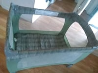 baby's gray and green travel cot Walkersville, 21793