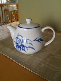 white and blue ceramic teapot Laval, H7W 2R8