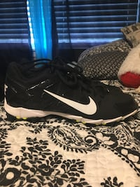 Women Nike cleats , size 10, Excellent condition! Cottondale, 35453